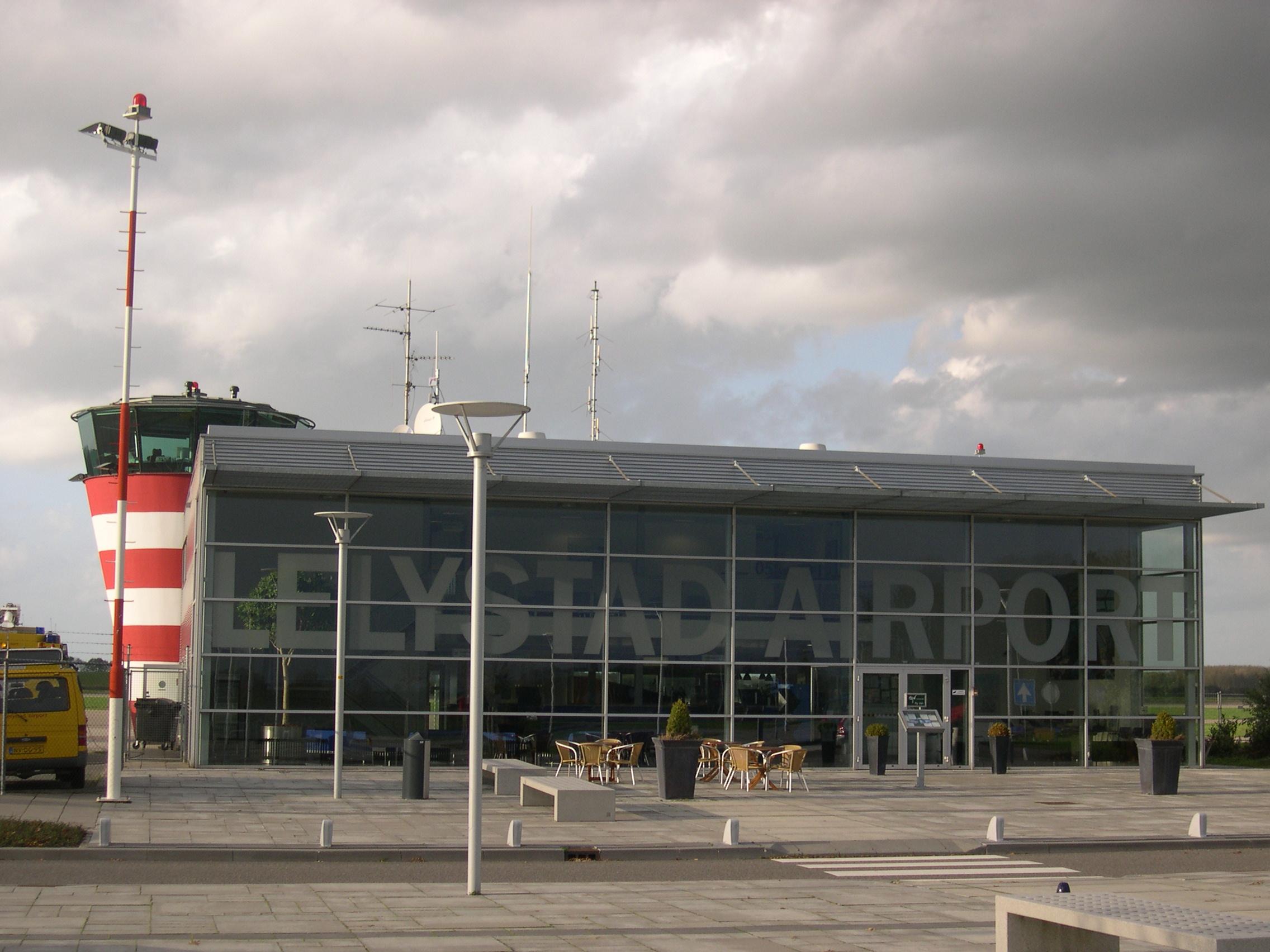 Lelystad Airport: geen laagvliegende vliegtuigen over onze provincie